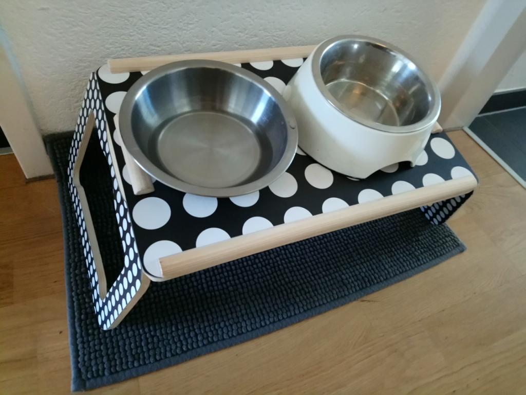 イングリッシュコッカー用食事テーブル